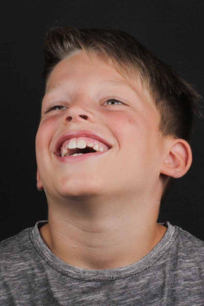 Matteo lacht